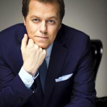 Tom Parker Bowles to present Q Guild's 2017 Smithfield Awards.